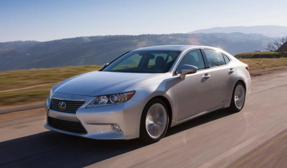 IS 300h Lexus Specifications