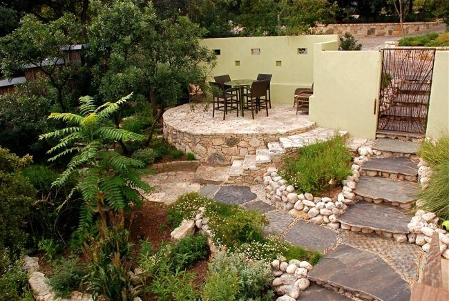 gestaltung landschaft ideen terrassen garten steinboden sitzecke, Terrassen deko
