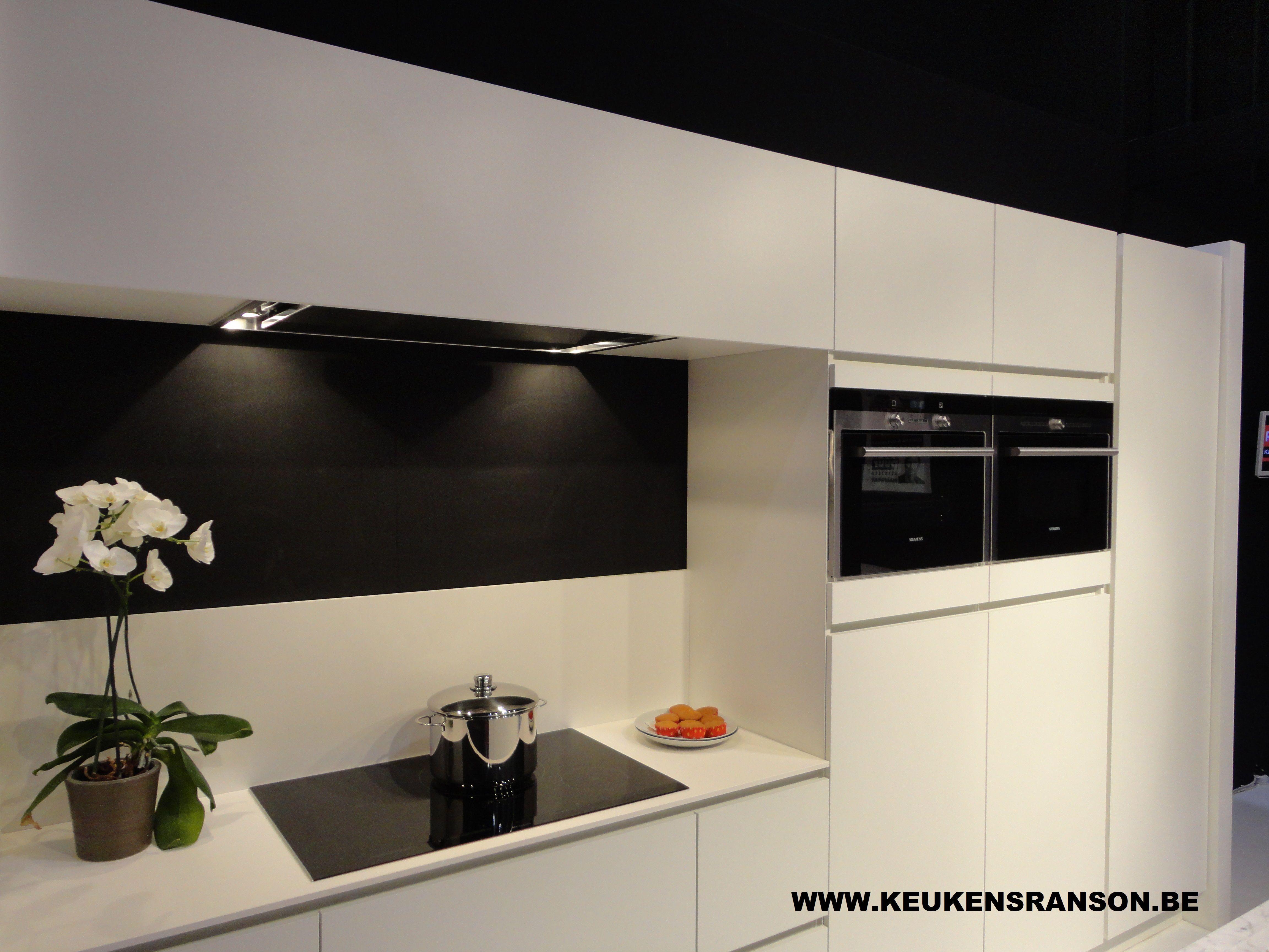Witte Laminaat Keuken : Strakke greeploze keuken wit laminaat ideeën voor keukens by