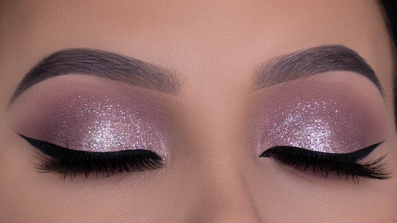Soft Wearable Purple Glitter Eye Makeup Tutorial | Purple Holiday Makeup