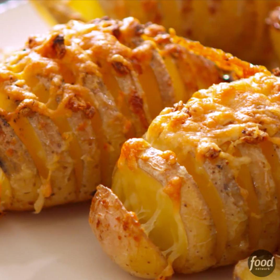 How to Make Trisha Yearwood's Cheesy Hasselback Potatoes