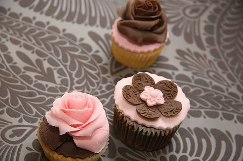 pink and brown cupcakes by elizabethscakeemporium, via Flickr