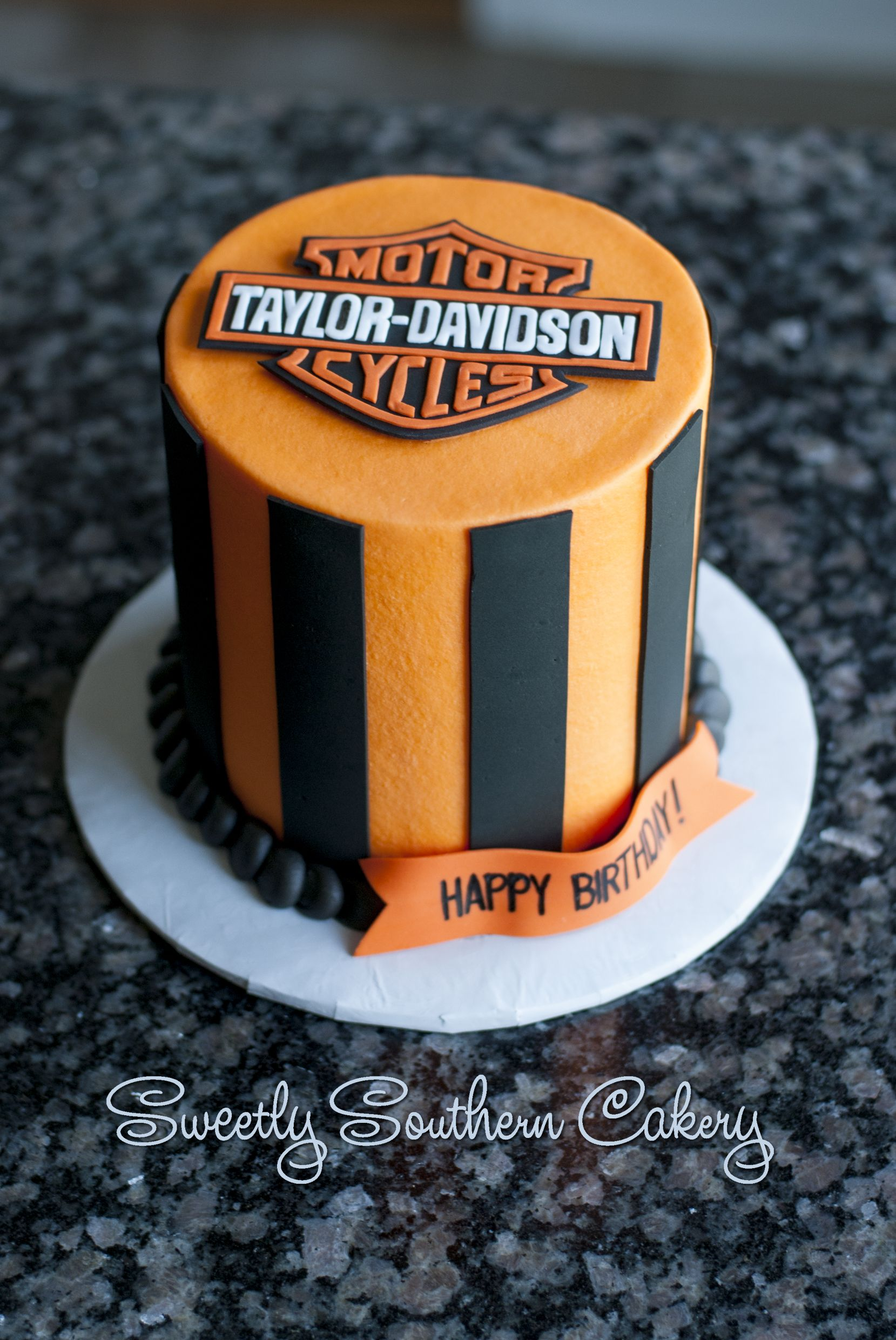 Harley Davidson Cake With Images Motorcycle Cake Harley