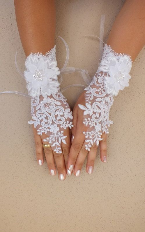 White Wedding Lace Gloves