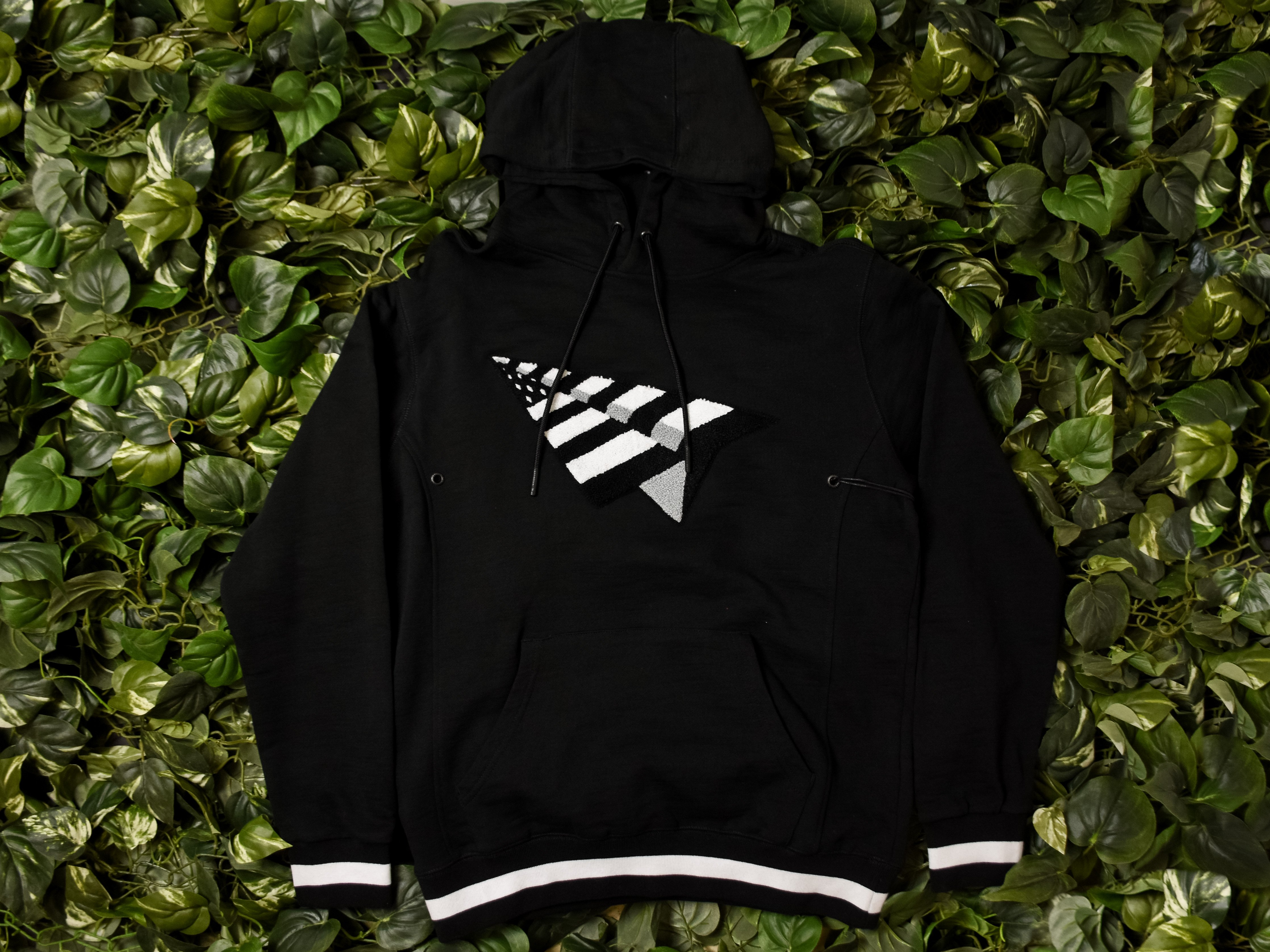 ba0b4275 Men's Paper Planes 'Elevate' Hoodie [0118K204-BLACK] | Roc Nation ...