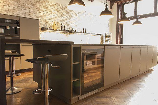 SieMatic-Musterküche Moderne Lack-Küche mit BORA Professional 20 - Nolte Küchen Fronten Farben
