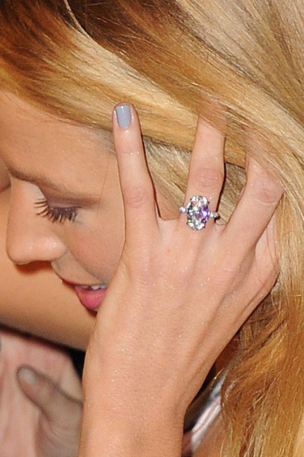 Blake Lively Engagement Ring Photos Blake Lively Engagement Ring Blake Lively Engagement Ring Replica Celebrity Engagement Rings
