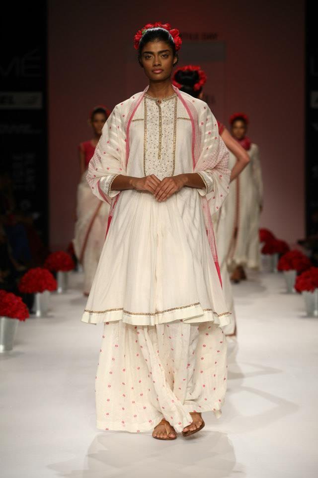 Soumita Mondal Fashion Indian Fashion Lakme Fashion Week