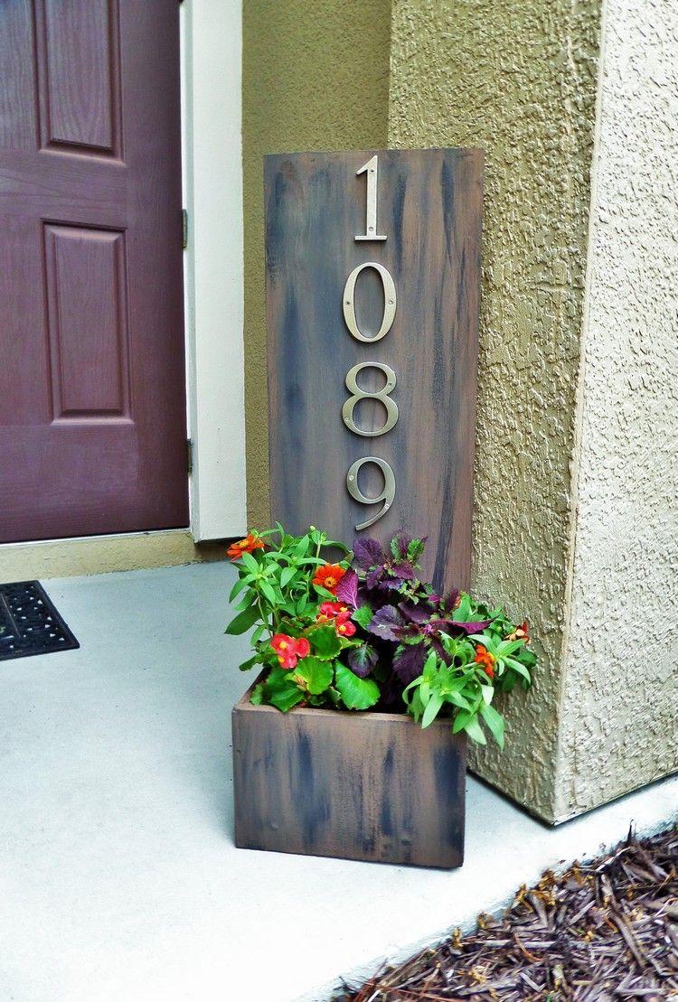 plaque num ro maison en bois massif avec jardini re et fleurs multicolores id es diy diy. Black Bedroom Furniture Sets. Home Design Ideas