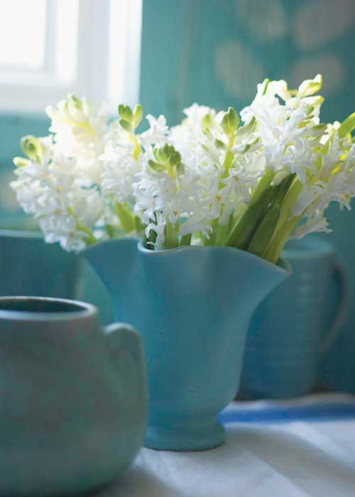❥ McCoy pottery and beautiful blossoms
