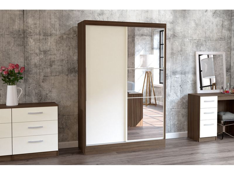 A Firm Favourite Cream Gloss On Aragon Oak Fitted Wardrobes Traditional Living Room Furniture Unique Bedroom Furniture Furniture