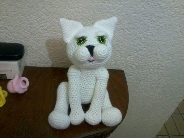 Amigurumis Gatos Patrones Gratis : Patron de gato con ojos tiernos amigurumi patrones