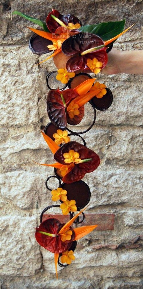 bouquet retombant moderne exotique th me exotique ou tropical pinterest exotique bouquet. Black Bedroom Furniture Sets. Home Design Ideas