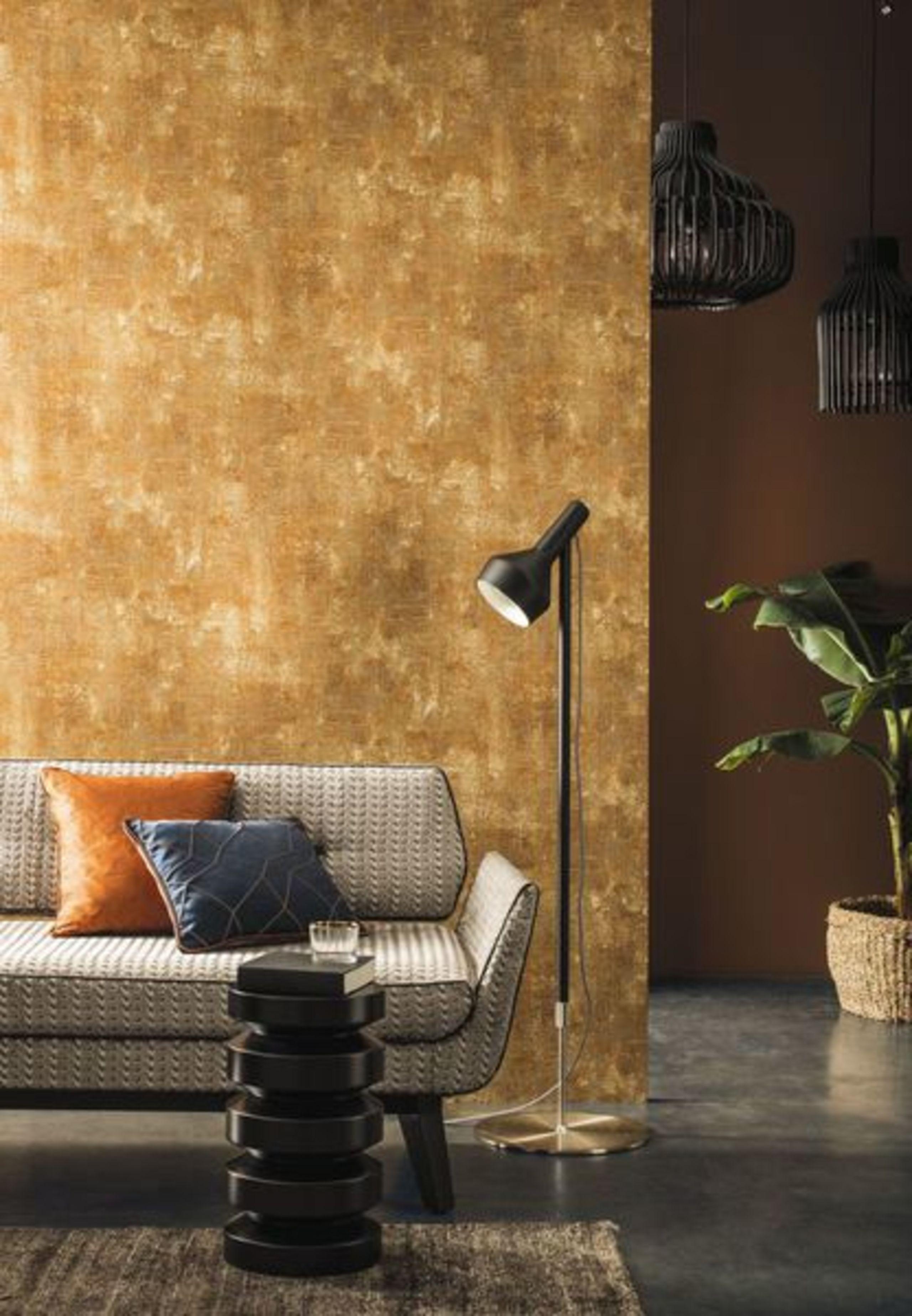 Ideen Für Die Wandgestaltung:goldene Tapete. Designertapete | First Living  Experte Tapeterie U0026 Malerei