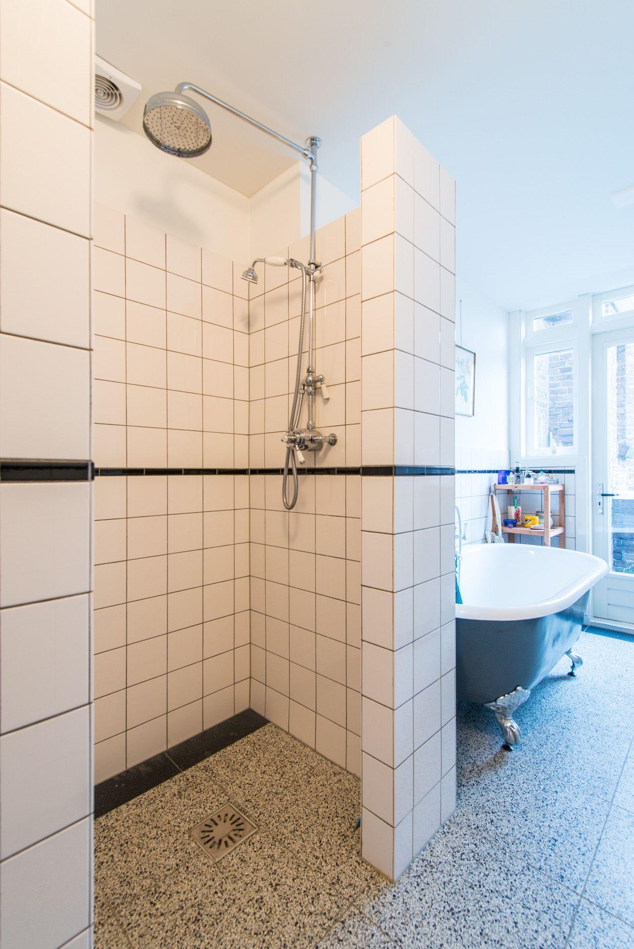 Nieuw Jaren '30 | Badkamer jaren 30, Badkamer, Badkamer douche CR-93