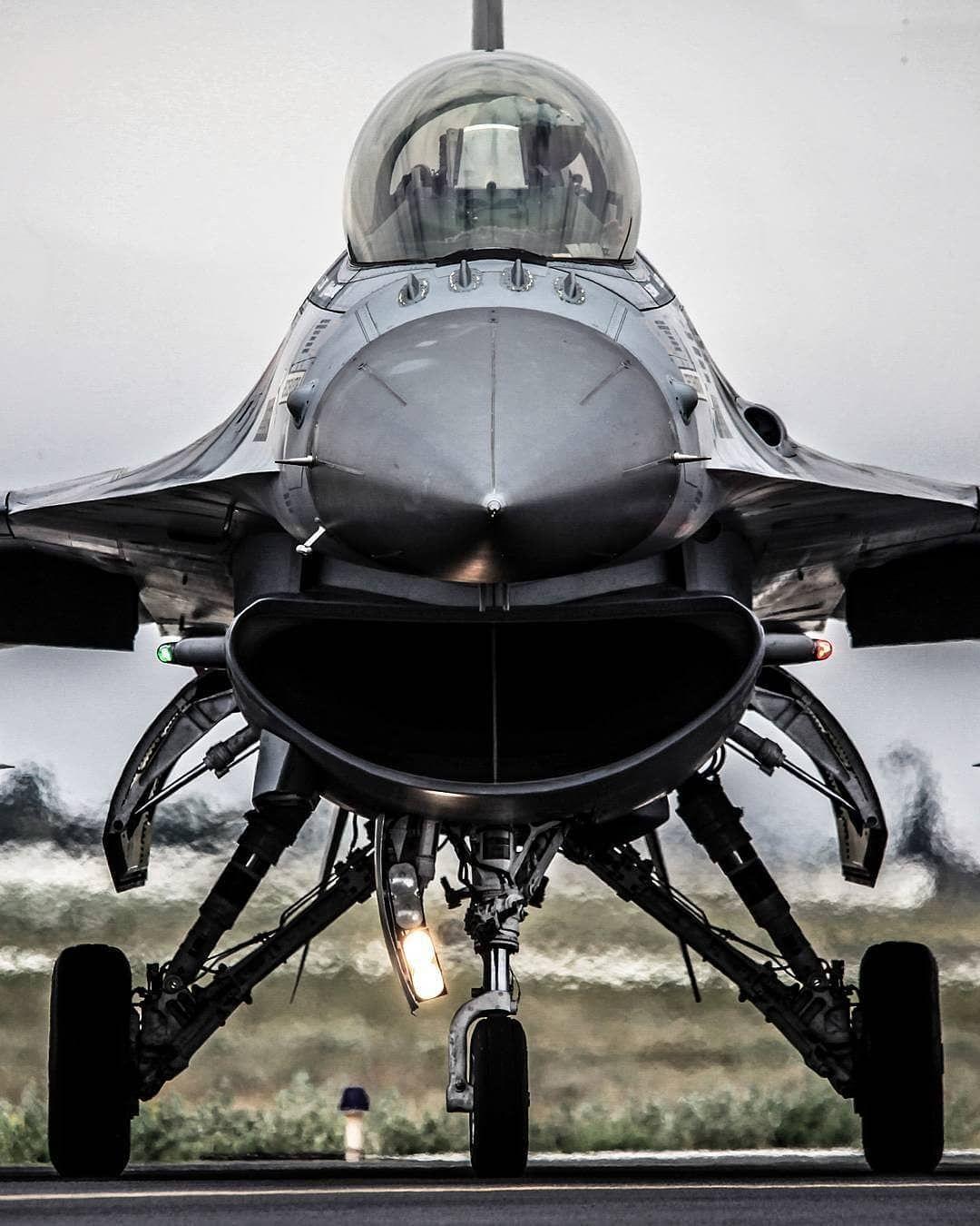 F 16 Heybetli Durusuyla Farelikoyunfotografcisi Turkhavakuvvetleri Flying Flight Air Fighter Jets Fighter Aircraft Fighter Pilot