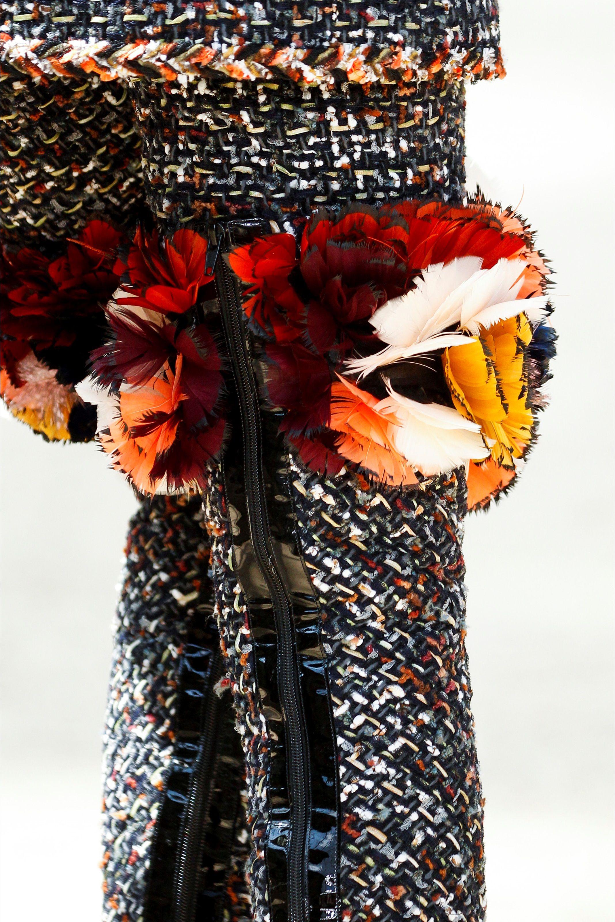 Chanel Parigi - Haute Couture Fall Winter 2017-18 - Details - Shows - Vogue.it