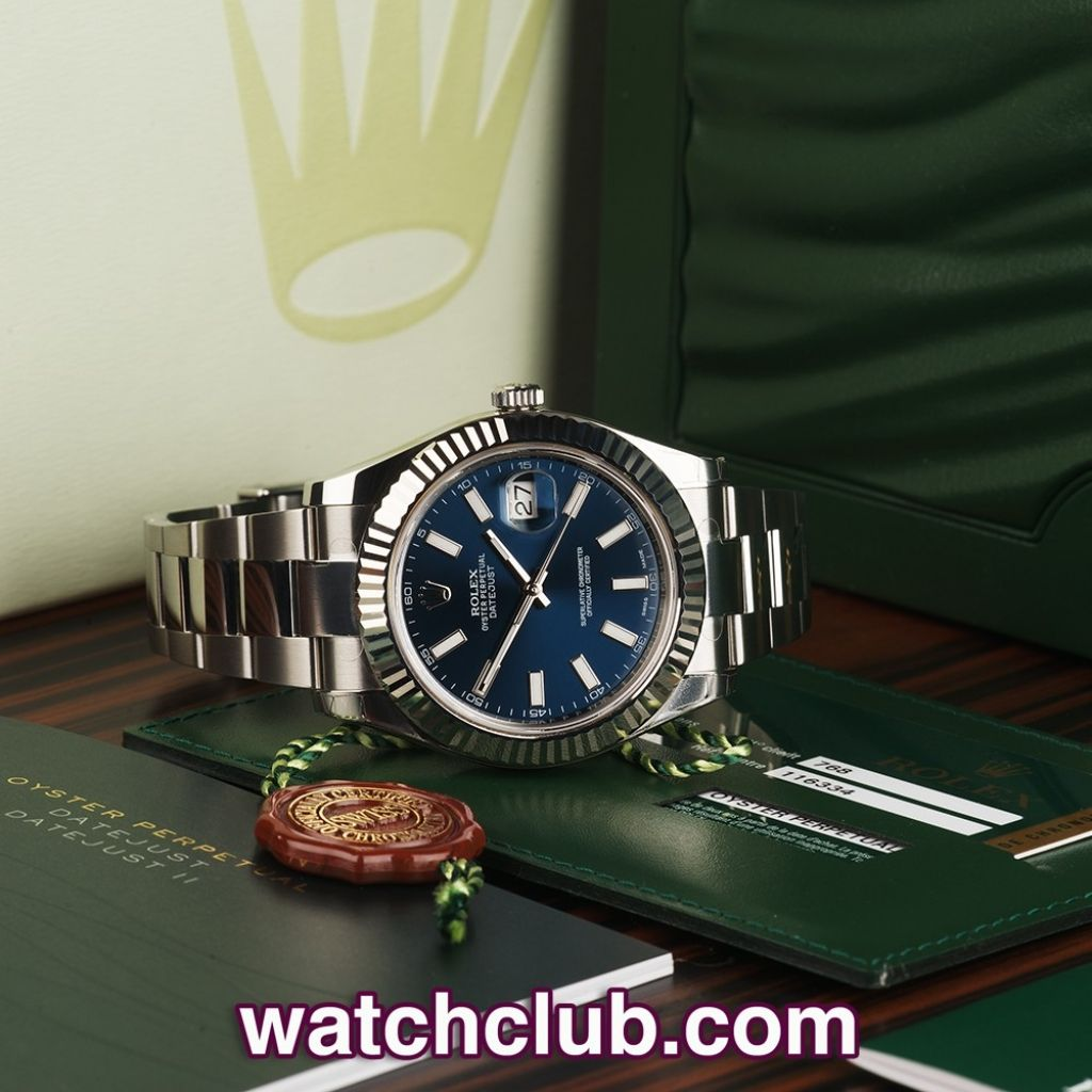 rolex datejust ii smooth or fluted bezel