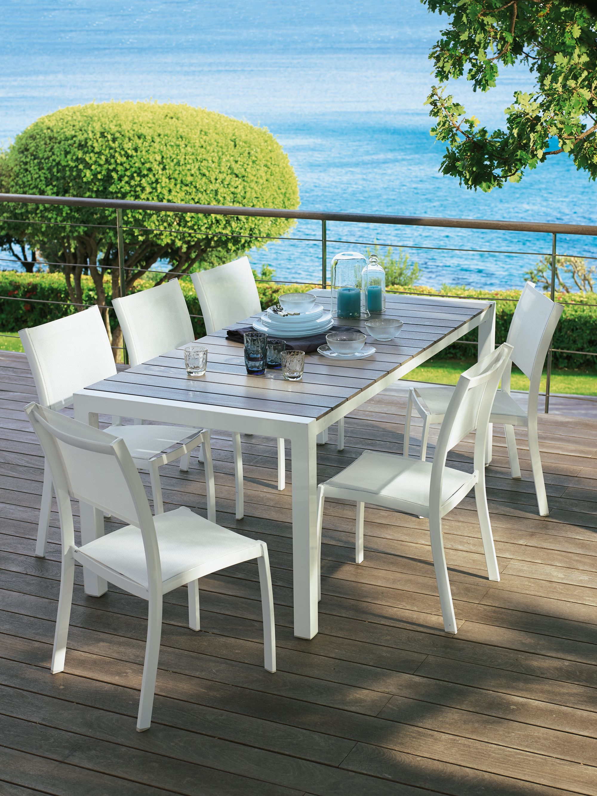 Table de jardin 8 couverts lathy for Table exterieur alinea