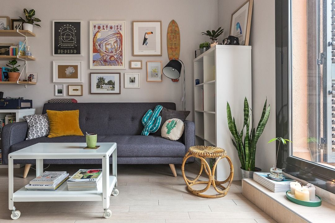 Eva's Barcelona apartment has that rare combination of clean, airy, Scandinavian minimalism and quirky, colorful coziness. Her large art collection adds so much personality and life, while the mid-century-inspired furnishings keep things gracefully grounded.