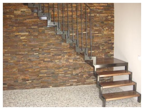 Escalera madera y hierro stairs n design pinterest for Escaleras interiores de hierro