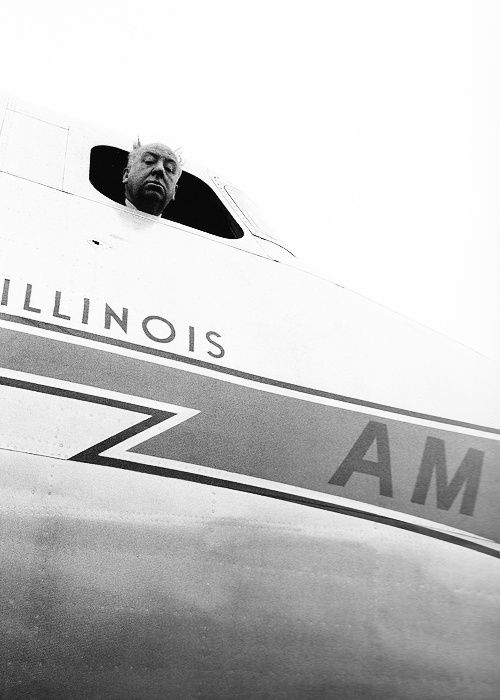 Me encantan las fotos de Milton Greene (1922-1985), famoso retratista americano, que alcanzó la fama en los años 50 gracias a las i...