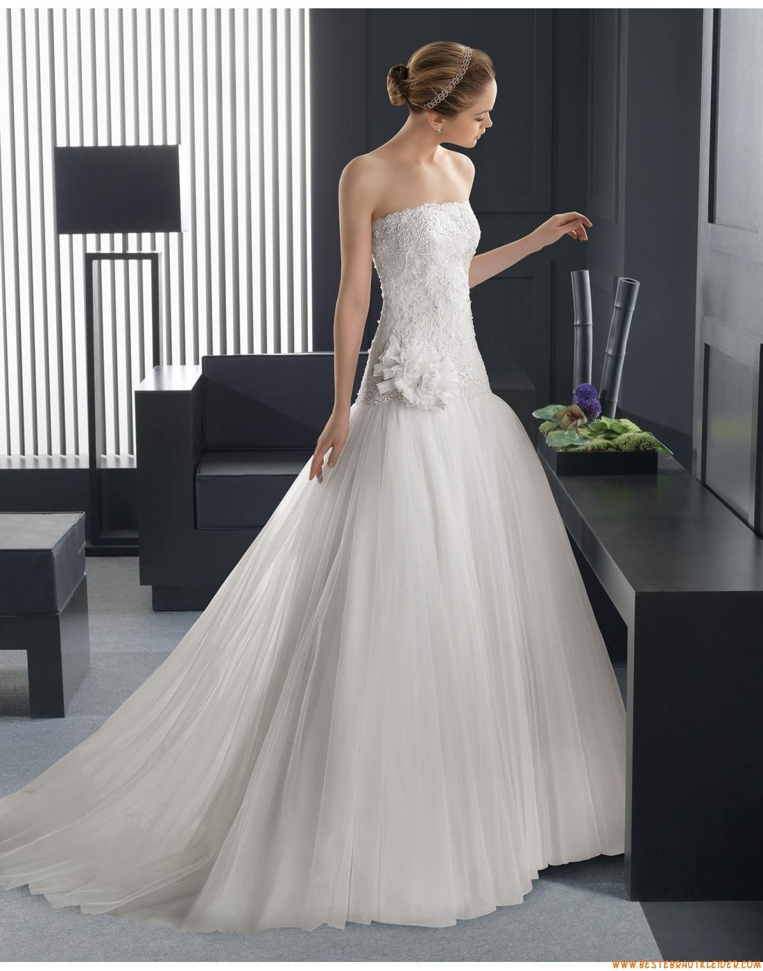2015 A-linie Trägerlose Exklusive Brautkleider aus Softnetz mit ...
