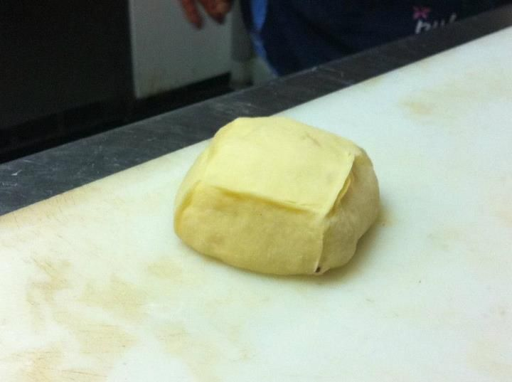 팻박스라서 박스 모양 만들다가... 빵은 그렇게 하는게 아니라고 파리아저씨가 포기하랬어요 ㅠ_ㅠ