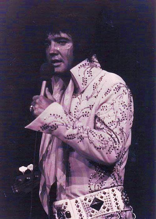 [Elvis-Presley-rare-pics-79.jpg]