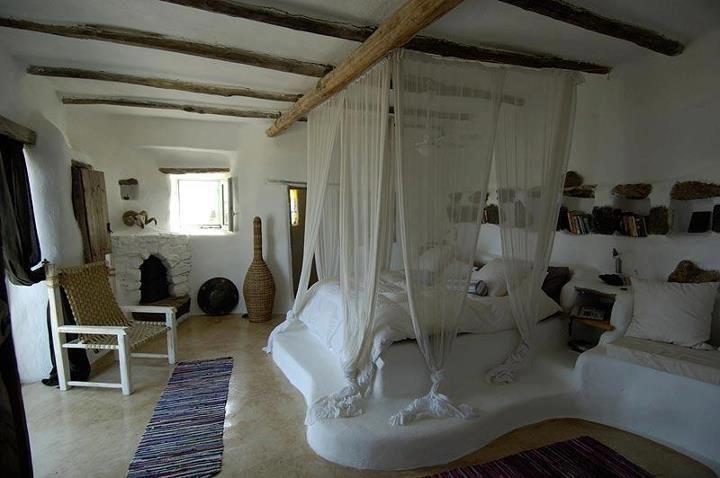 bedroom!!  also in facebook