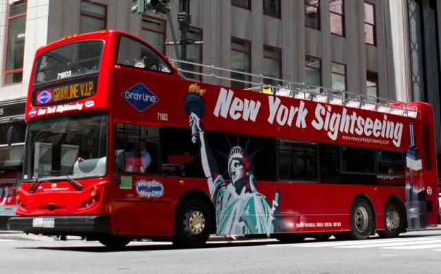 Which Double Decker Bus Is The Best For Your Nyc Visit Double Decker Bus Visiting Nyc Nyc Tours
