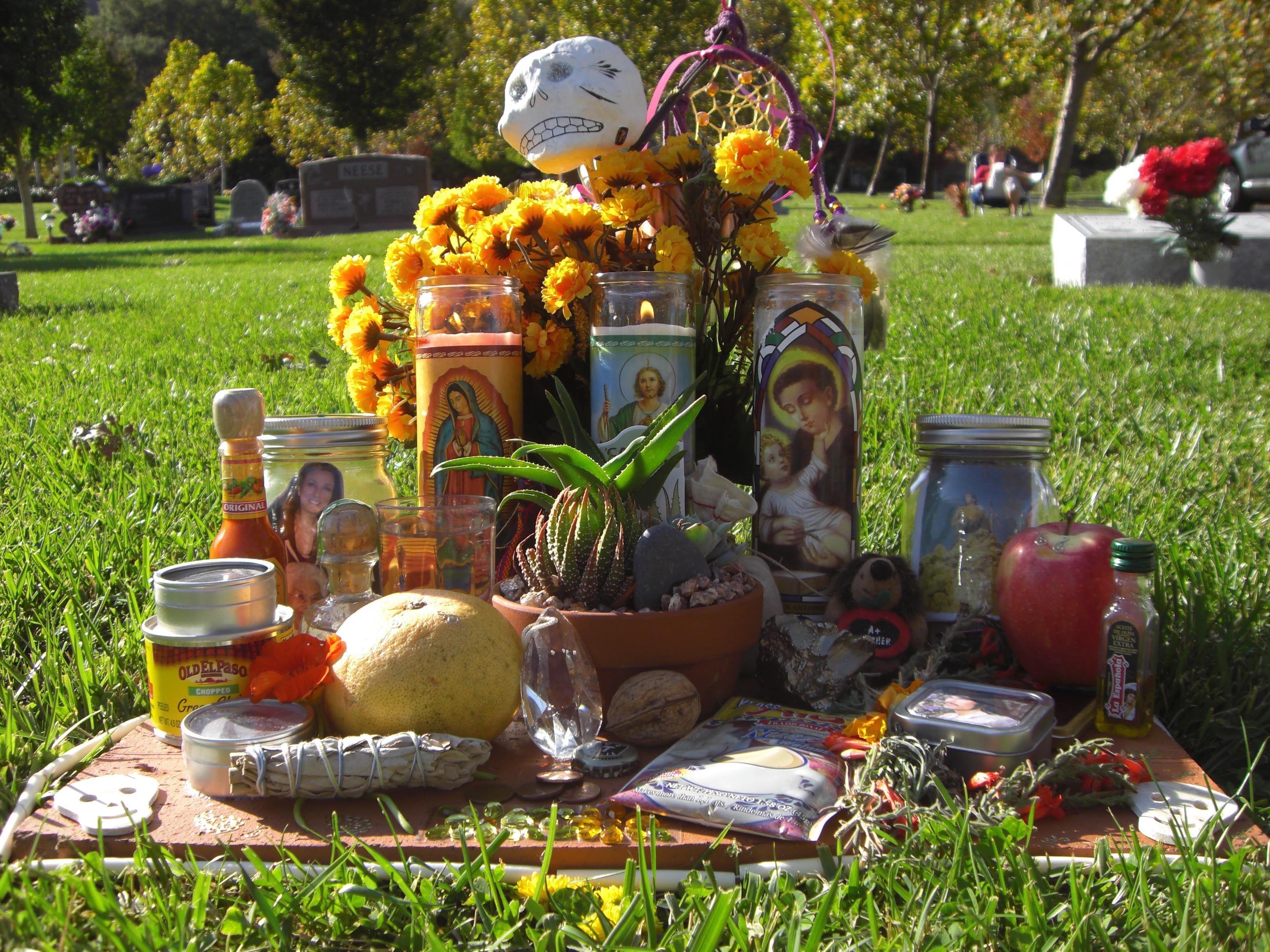 JamesNorrisDiaDeMuertos.jpg (3264×2448) Altar, Table