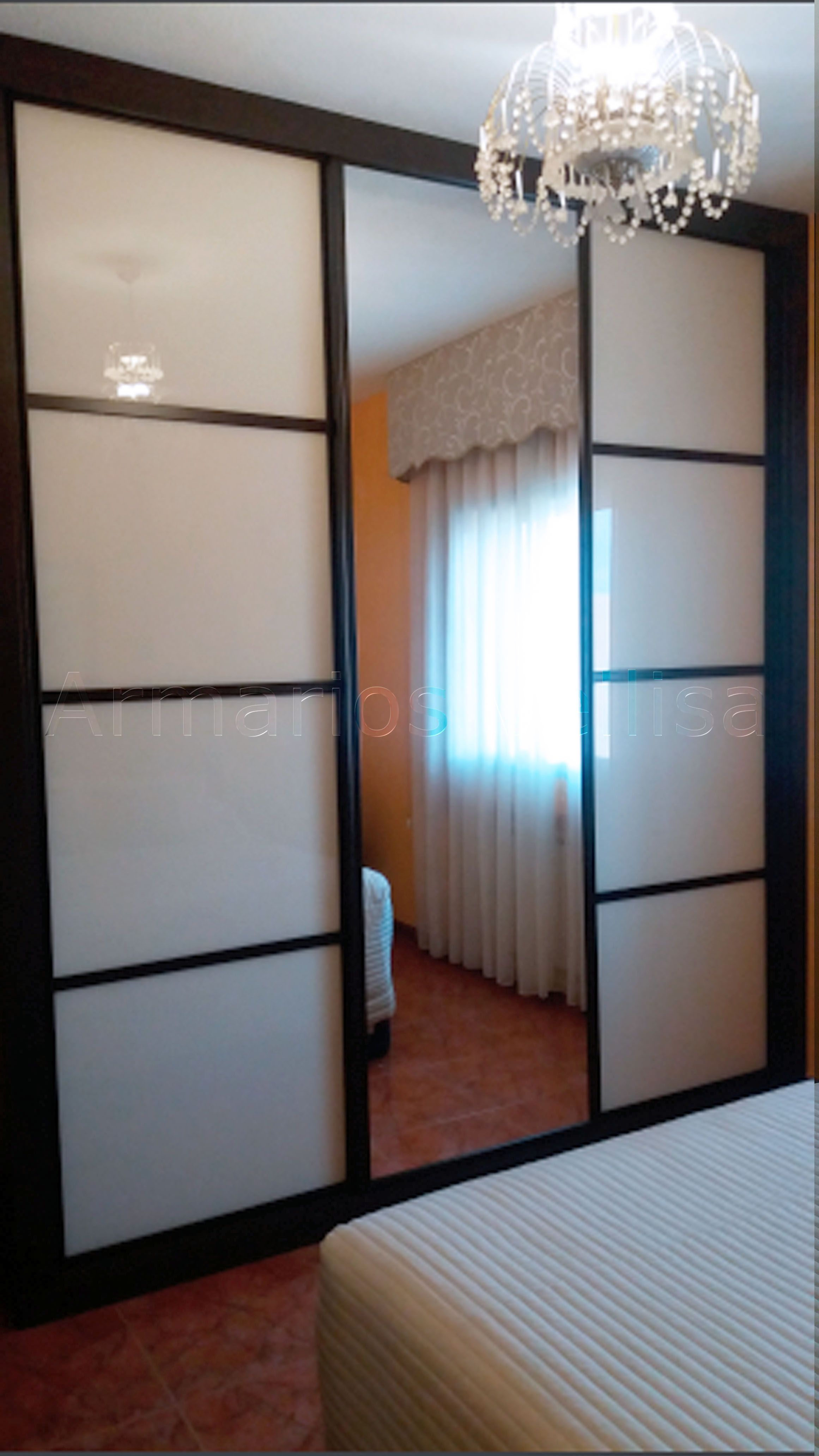 Armario empotrado 275 x 250 x 70 cm 3 puertas correderas for Puertas con espejo