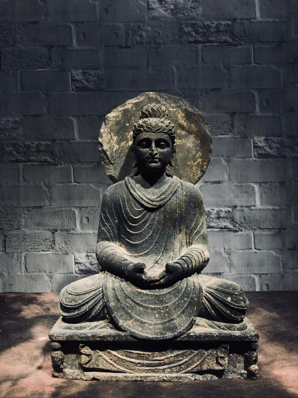 Buy Online View Images And See Past Prices For Gandhara Stone Buddha Statue Invaluable Is The World S Largest Market Stone Buddha Statue Buddha Statue Statue