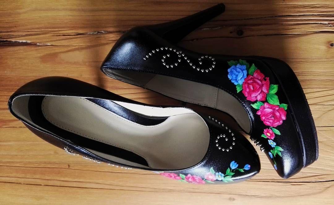 Nowe Wzory Malowanych Butow Juz Wkrotce Goralskieklimaty Malowanki Szpilki Goralka Polishfolkstyle Heels Peep Toe Shoes
