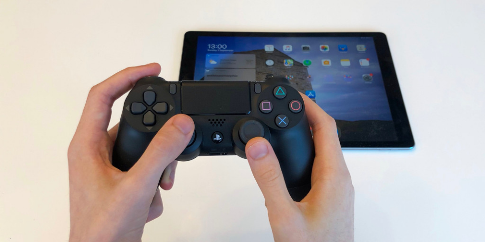 How to connect PlayStation controller or Xbox game ...