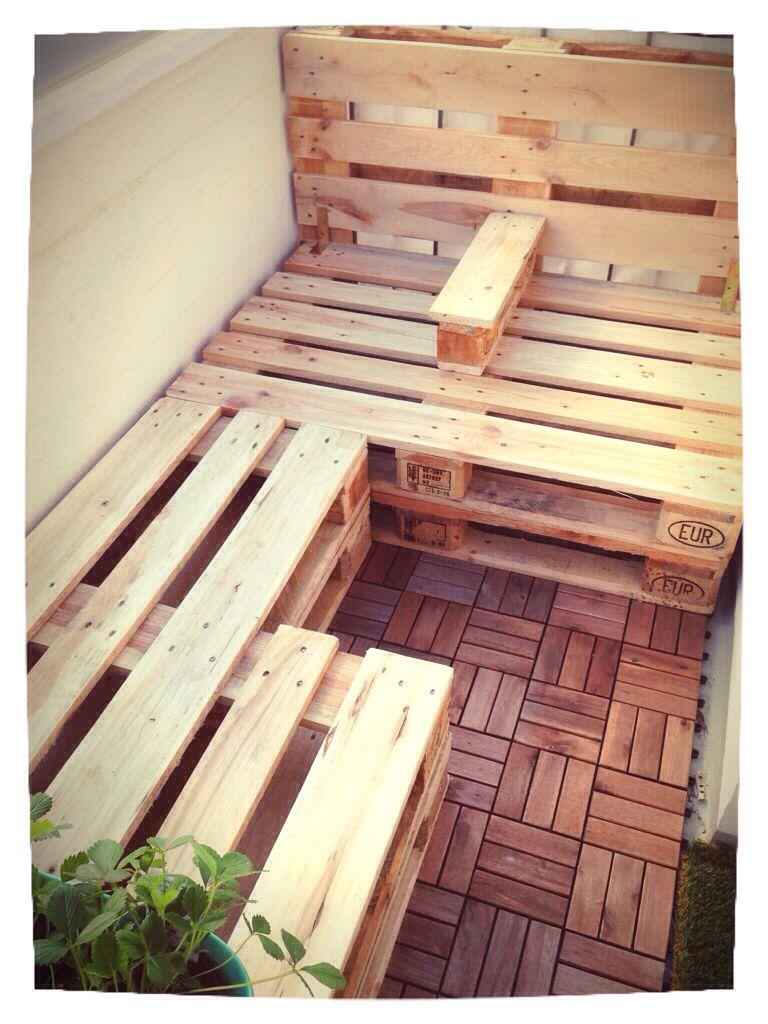 diy bank bzw liegeflache f r den balkon houtwerk woodworking woodworking projects en small. Black Bedroom Furniture Sets. Home Design Ideas