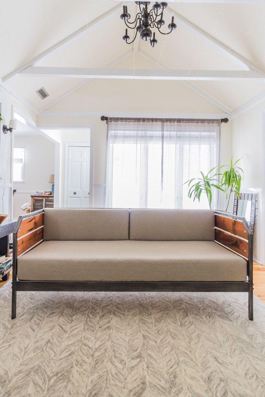 Redwood moderno sof o tumbona armaz n de acero por for Muebles de diseno industrial