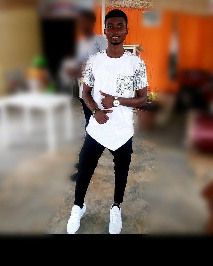 Direkt aus Buddys Stichen. Du kannst mit einem gehen. Lass uns dein Set für  #afcon2019 #africanfashiontrends #africanmen #africanmenswear #africanprintmenswear #asoebi #asoebilagos #asoscurve #asosdress #bbnaija2019 #buddys #casualoutfits #direkt #drip #einem #gehen #kannst #lagos #lagosnigeria #mensstyle #menswear #never #stichen #trending #white #wrong