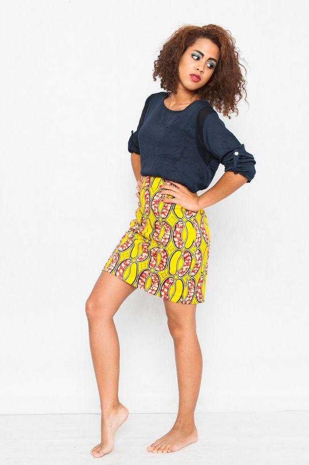 www.cewax.fr aime Dieser Rock ist die Mischung von überzeitlicher Klassik und einzigartiger Musterei aus Cabo Verde!  Er ist eine perfekte Ergänzung für ein elegantes Outfit – er gibt dem Outfit ein bisschen...