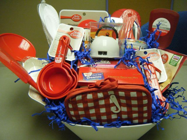 Baking gift basket kassie 39 s kreations pinterest gift for Dinner party gift ideas
