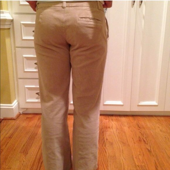 Izod khaki colored corduroys- stretch- sz 6 Like new Izod cords- soft and stretchy! Inner tag pictured- size 6 IZOD Pants Boot Cut & Flare