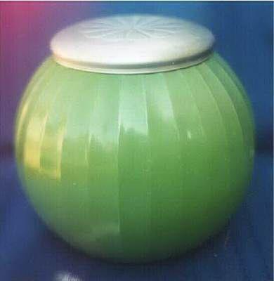 Vintage Jadeite - Cookie or Cracker jar with lid
