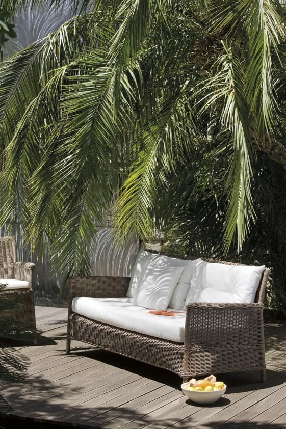 Manutti Design Wicker Tuinmeubelen Beaumont With Images Modern Outdoor Patio Outdoor Wicker