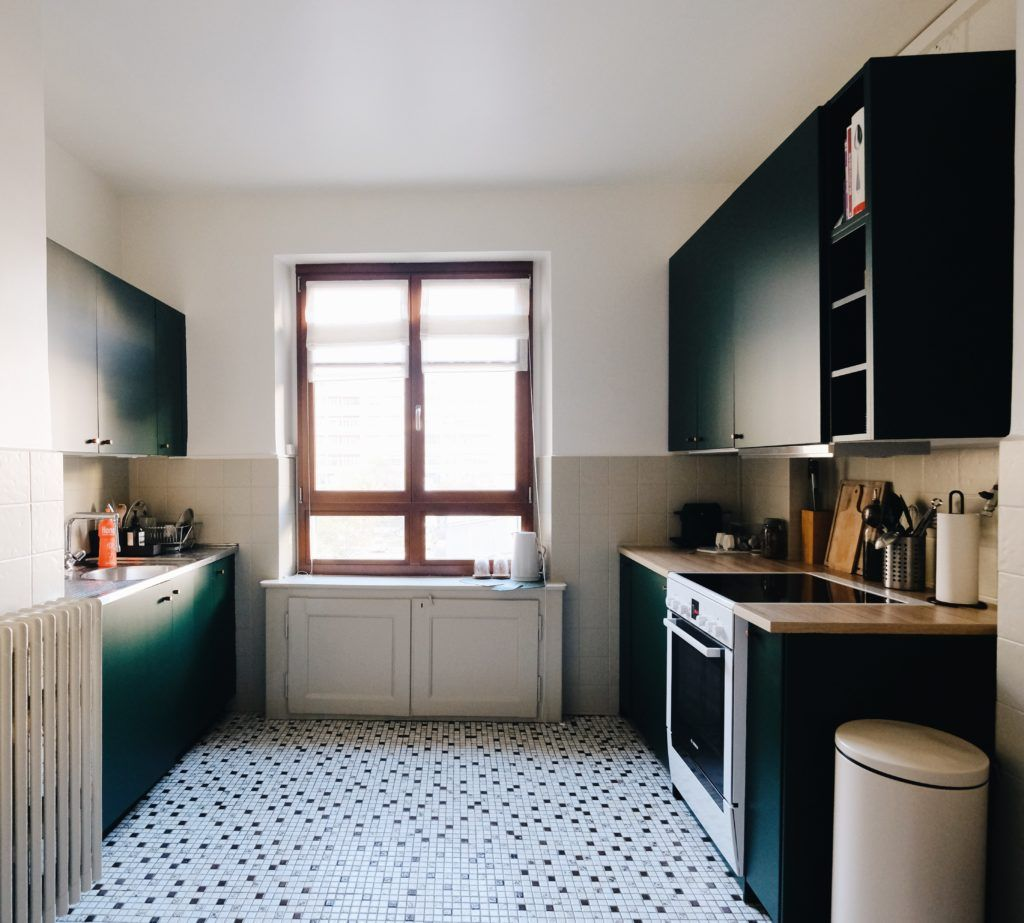 A dark green Ikea kitchen makeover Küchendesign