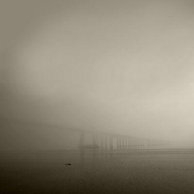 Luís Barreira nevoeiro - ponte vasco da gama, Lisboa, 2013 Fotografia Série: no parque