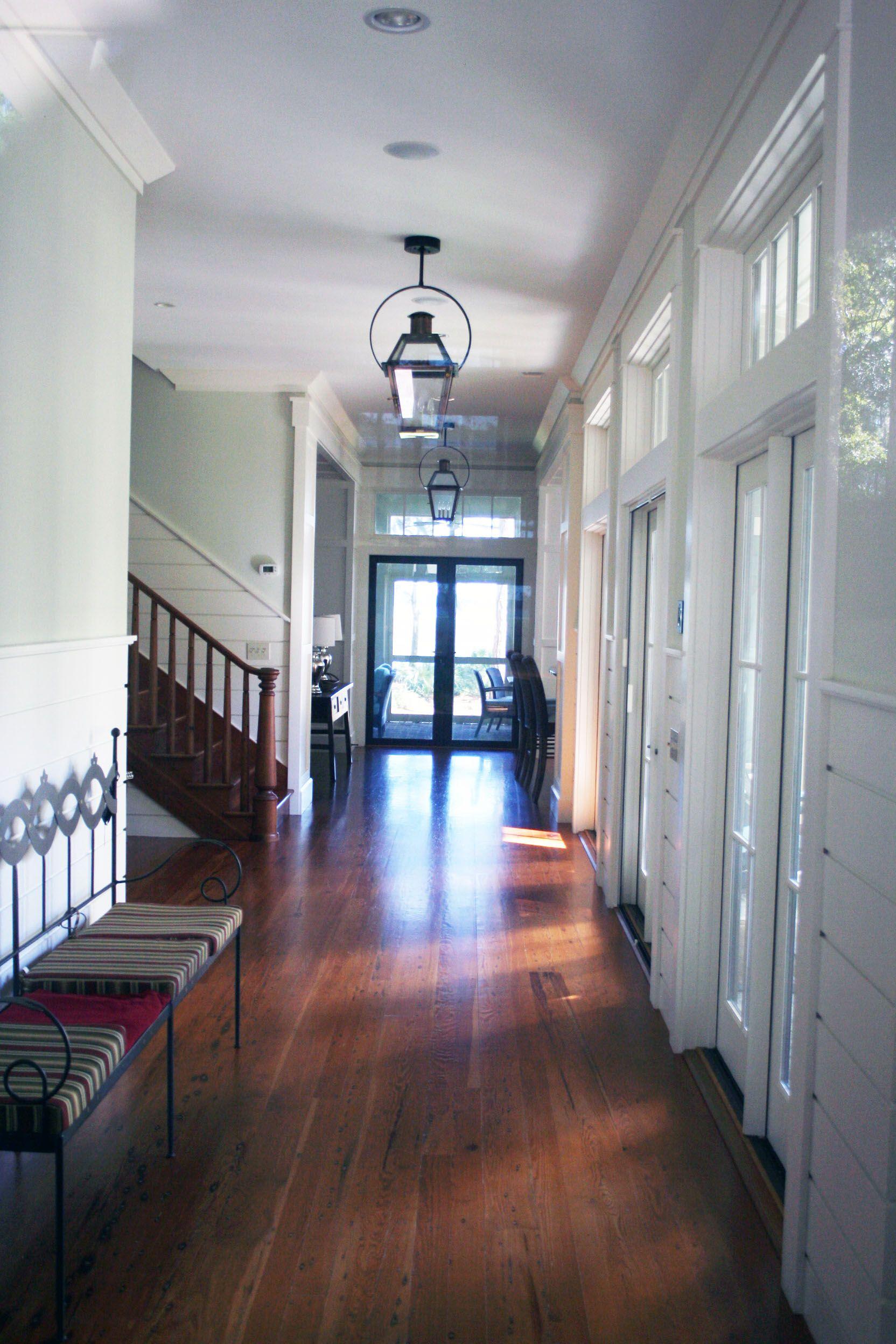 Farmhouse hallway in bluffton with countryfarm style