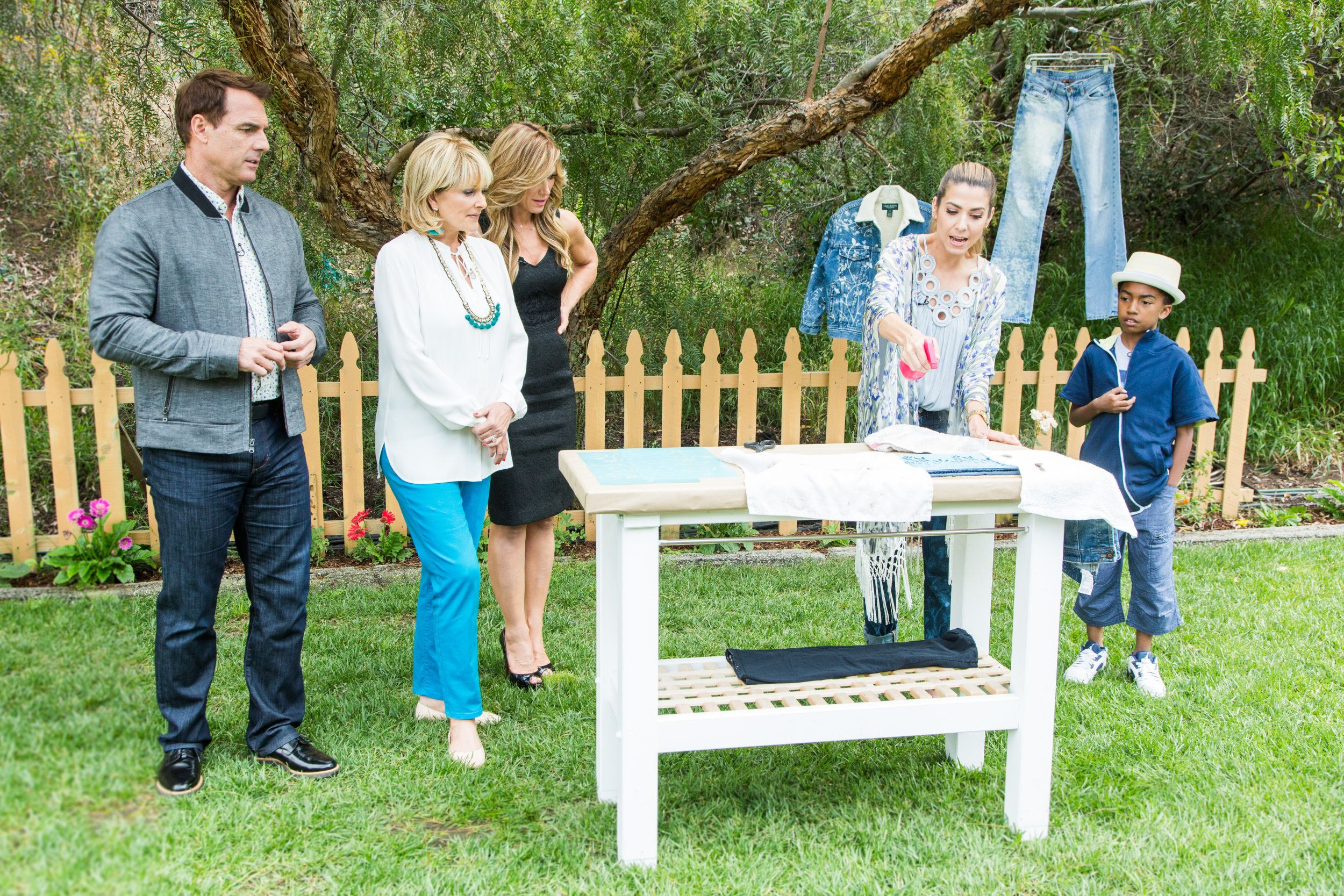 How To - Home & Family: DIY Stenciled Jeans | Hallmark Channel
