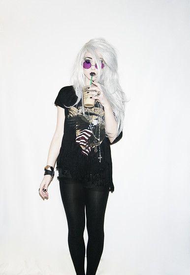 Ashley Joncas Grunge Goth Dark Fashion #NitroFash
