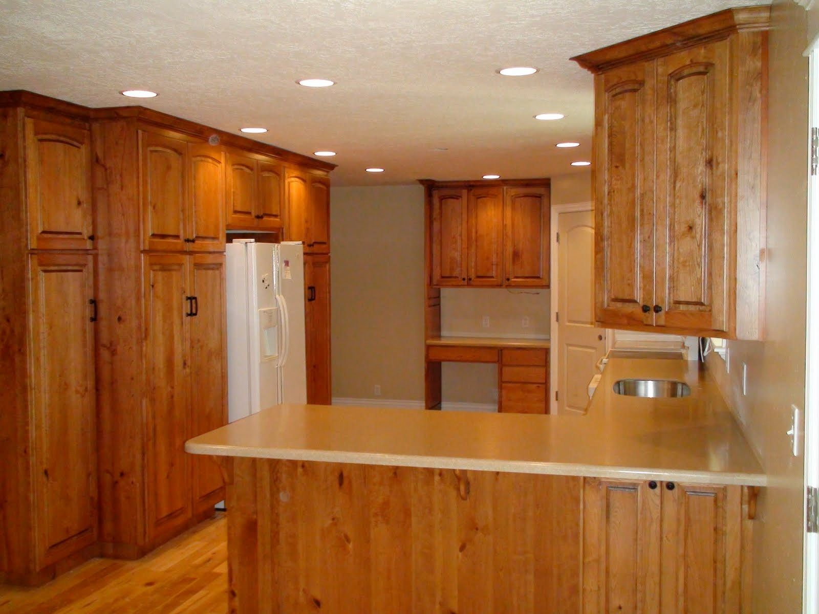 55 Knotty Oak Kitchen Cabinets Kitchen Decorating Ideas Themes Check More At Http Www Planetgre Rustic Cherry Cabinets Oak Kitchen Cabinets Kitchen Design
